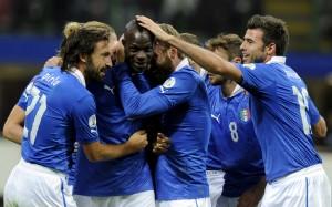 sport_calcio_esterp_italia_danimarca_abbraccio_balotelli_getty