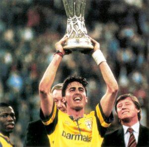 Parma_Coppa_UEFA_1994-95-baggio