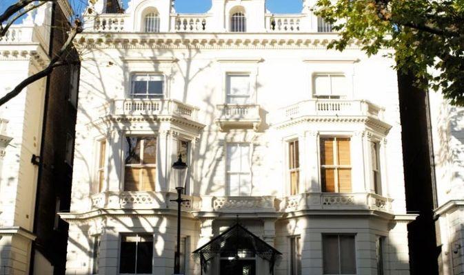 Nuova casa beckham 5 piani per 6 persone ci sar for Piani di casa padronale inglese
