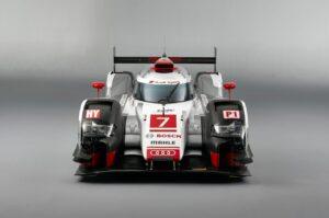 Audi-R18_e-tron_quattro_Racecar_2015_1280x960_wallpaper_06