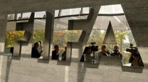 Fifa, tre ex dirigenti espulsi a vita e multati [NOMI e DETTAGLI]