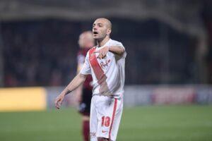 Calciomercato Bari, si pensa all'attacco: si tratta Ganz ma