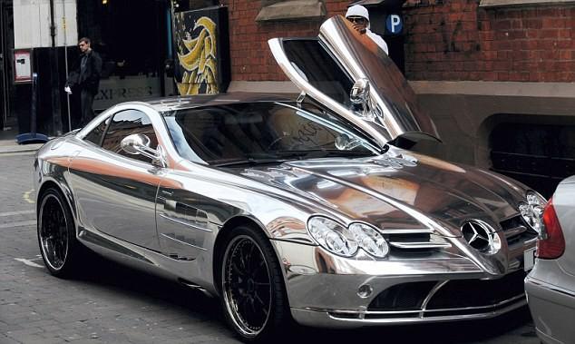 4 - EL HADJI DIOUF (The Mercedes-Benz SLR McLaren, : 476.000 EURO)