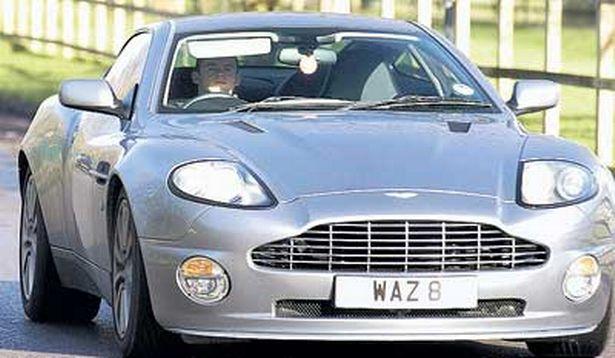 9- WAYNE ROONEY (Aston Martin Vanquish S, 170.000 EURO)