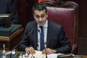 """Cori razzisti Milan Lazio, Di Maio: """"Politica non entri nel"""