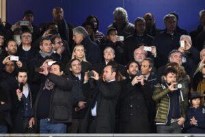 """Violenza stadi, De Magistris: """"giusto sospendere le partite"""""""