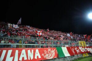 Perugia Cosenza, tifosi spostati dalla tribuna: ecco il moti