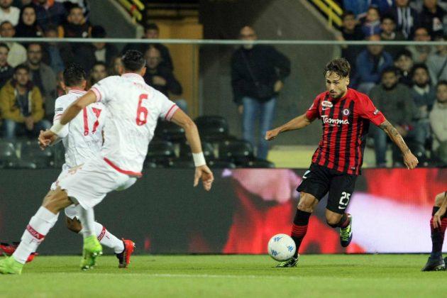 Serie B |  il Foggia rialza la testa |  Gerbo e Mazzeo stendono il Perugia GALLERY