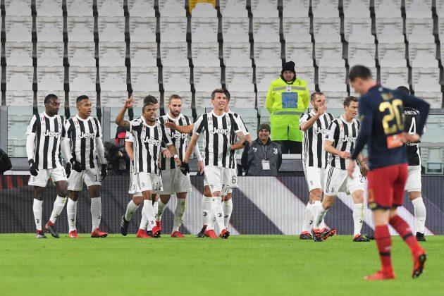 """La Juventus vince ma non brilla: contro il Genoa una gara """"sonnolenta"""" decisa da Douglas Costa"""