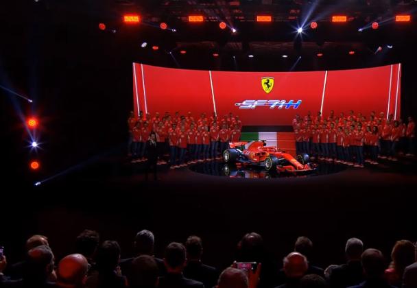 Presentazione Ferrari, attesa finita: tutto lo spettacolo de