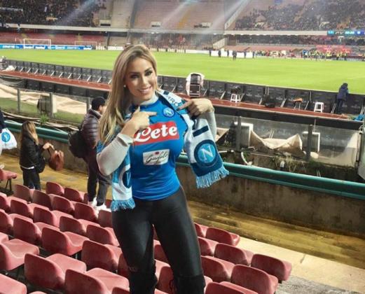 La sexy brasiliana Dessa Nunes al San Paolo: spalti 'bollent