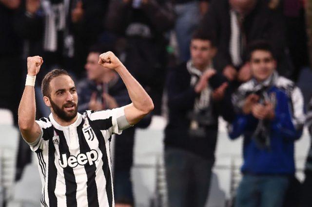 Juventus-Napoli, retroscena Higuain: l'attaccante va da Sarri dopo la gara
