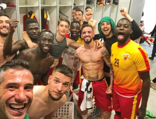 Milan-Benevento 0-1, impresa storica: delirio nello spogliatoio [FOTO]