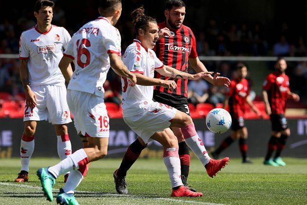 Risultati Serie B, Palermo e Parma volano: spettacolo in cam