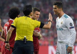 Cristiano Ronaldo rincara la dose sull'addio al Real Madrid:
