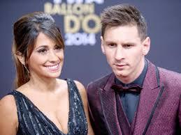 """Messi compie 31 anni, la sexy moglie """"auguri amore mio"""" [FOTO]"""