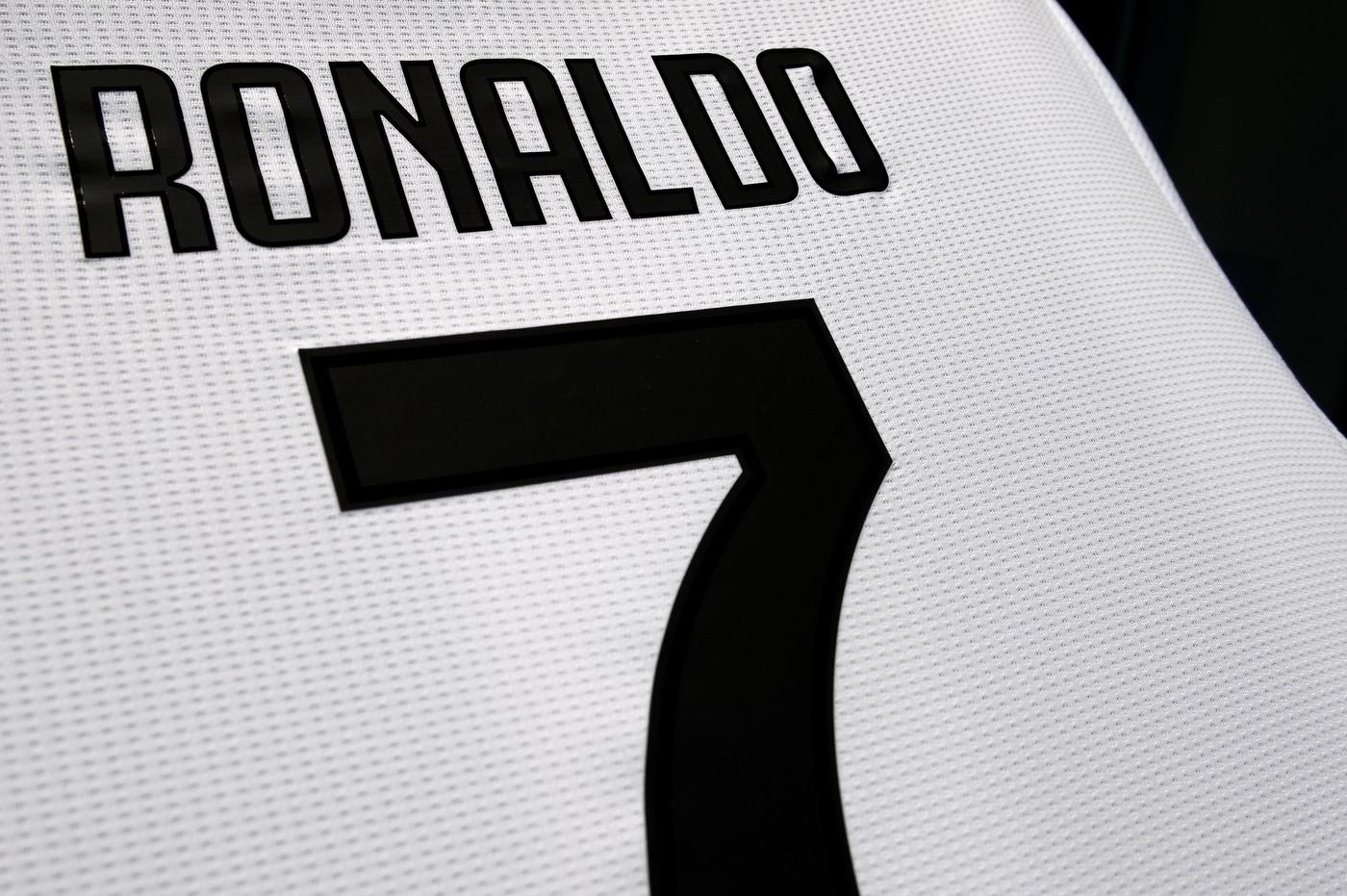 cheap for discount 97921 70e5c Juventus, boom di vendite perla maglia numero 7 di Cristiano ...