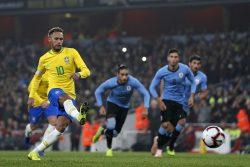 Brasile-Uruguay 1-0, decisivo l'attaccante Neymar su calcio di rigore [FOTO]