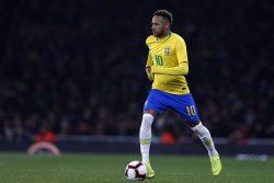 Infortunio Neymar, brivido Psg e Brasile: il calciatore si f