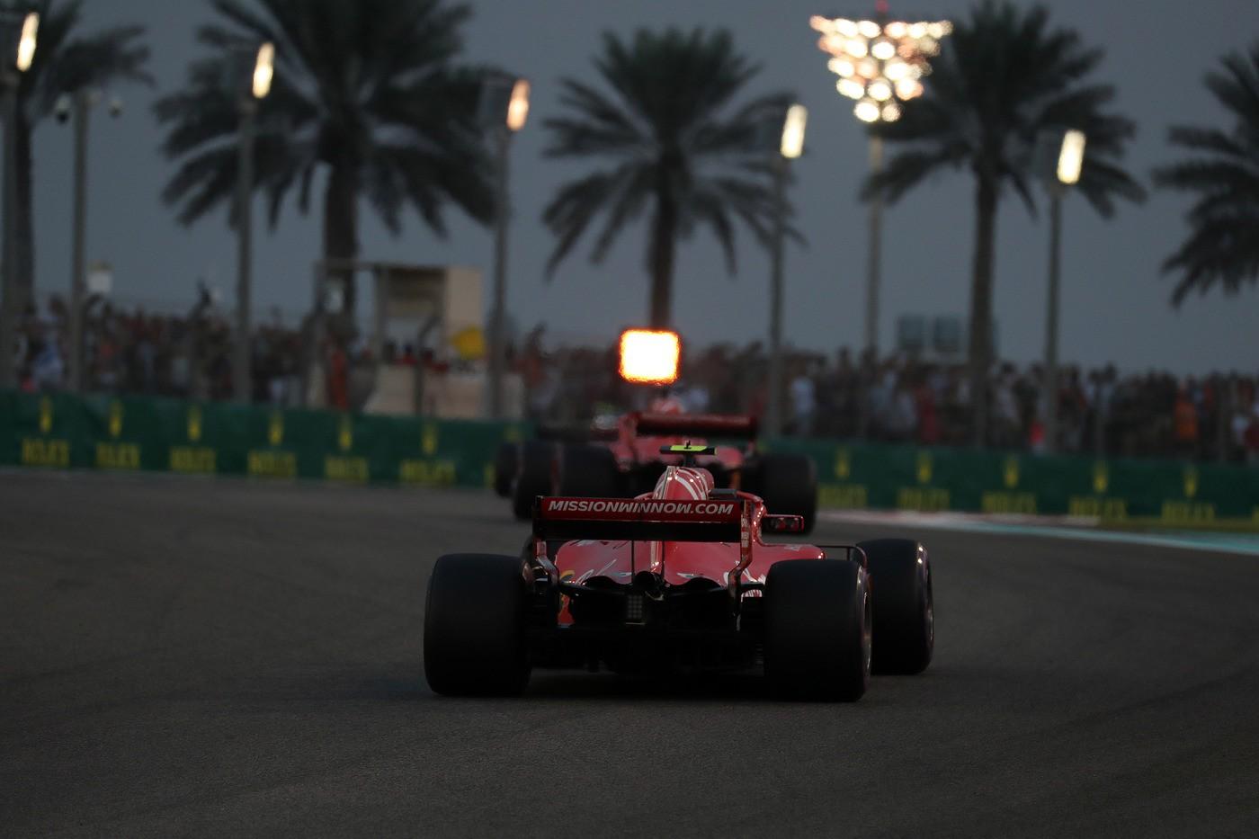 © Photo4 / LaPresse 25/11/2018 Abu Dhabi, UAE Sport Grand Prix Formula One Abu Dhabi 2018 In the pic: Kimi Raikkonen (FIN) Scuderia Ferrari SF71H and Sebastian Vettel (GER) Scuderia Ferrari SF71H