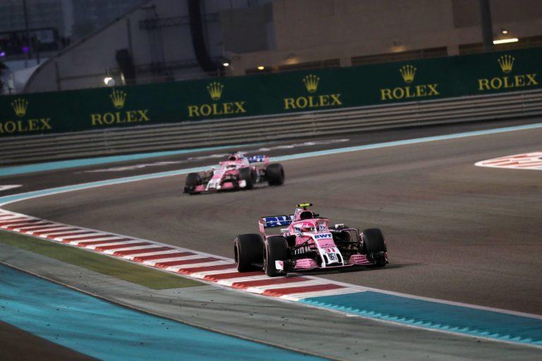© Photo4 / LaPresse 25/11/2018 Abu Dhabi, UAE Sport Grand Prix Formula One Abu Dhabi 2018 In the pic: Esteban Ocon (FRA) Racing Point Force India F1 VJM11 leads Sergio Perez (MEX) Racing Point Force India F1 VJM11