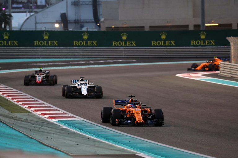 © Photo4 / LaPresse 25/11/2018 Abu Dhabi, UAE Sport Grand Prix Formula One Abu Dhabi 2018 In the pic: Fernando Alonso (ESP) McLaren MCL32 leads Lance Stroll (CDN) Williams FW40