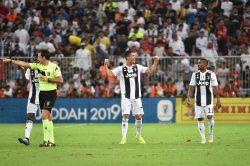 #JuveOut, la protesta social dopo lo scandalo Supercoppa: i