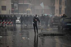 Brescia, agenti assolti per il pestaggio di un tifoso: la no