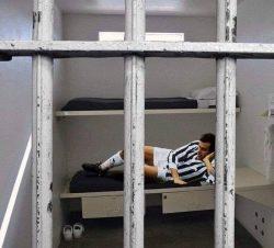 Arresto Platini, i social si scatenano [FOTO]