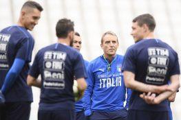 Italia, prime prove anti Bosnia per Mancini: corsa a tre per