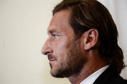 """Roma, Totti twitta: """"Grazie a chi mi ha accompagnato"""""""