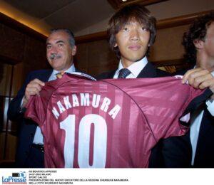 Eterno Nakamura, l'ex Reggina in campo a 41 anni: che coppia con il 52enne ...