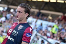 Infortunio Pellegrini, il calciatore del Cagliari lascia il ritiro ...