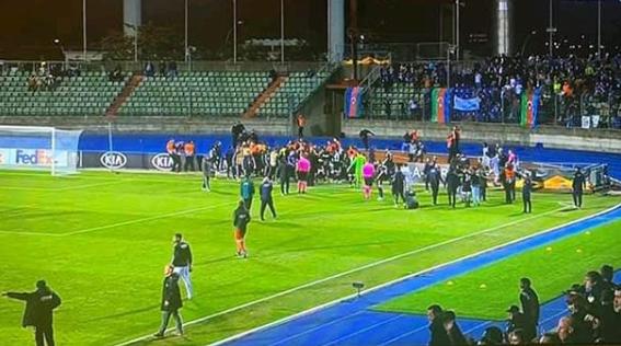 Drone in campo, stop 25' match E.League - Ultima Ora