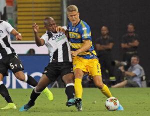 Infortunio Cornelius, problemi per l'attaccante del Parma