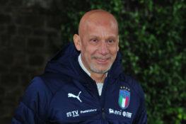 Gianluca Vialli canta Battisti: il rito di 'iniziazione' è c