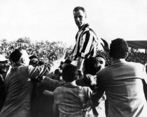 John Charles, gigante della Juve: la testata a Sivori e quan
