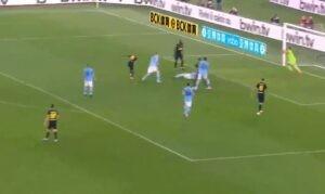Gol Young, che prodezza dell'esterno dell'Inter: nerazzurri in vantaggio contro la Lazio [VIDEO]