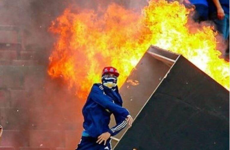 seggiolini in fiamme Cile