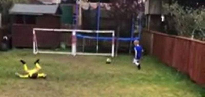Bambini imitano i gol