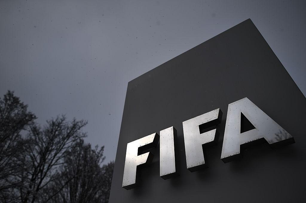 Le notizie del giorno, la FIFA 'avvisa' i club. La frecciata del Papu Gomez, le confessioni della fidanzata di Dybala