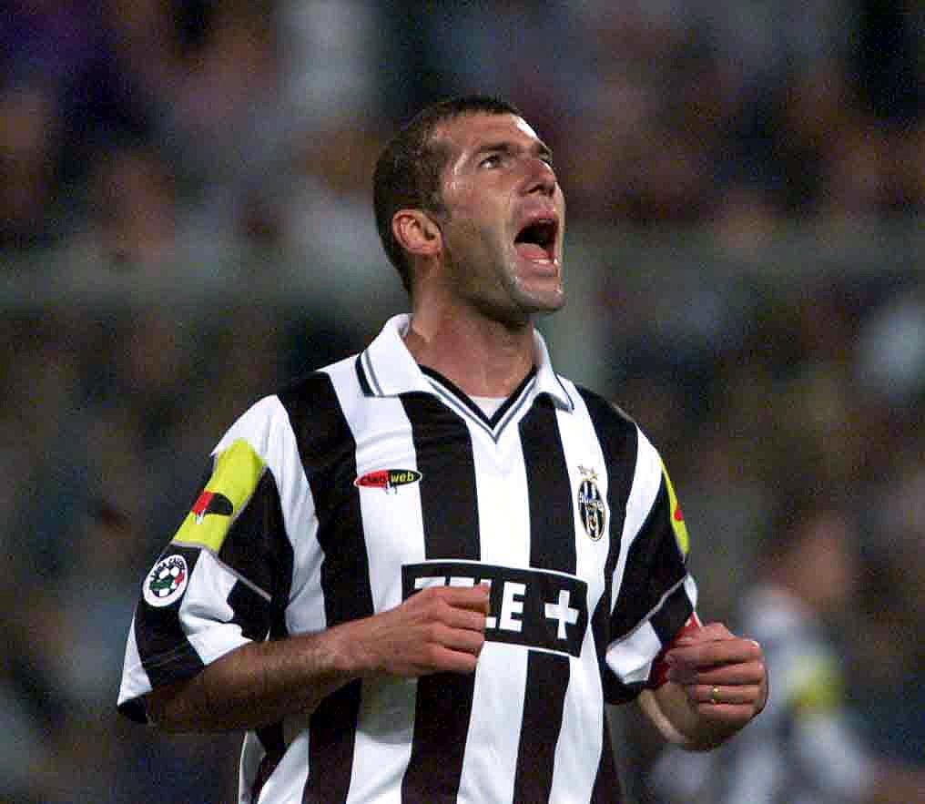 Zidane (Photo by Getty Images/ Credit: Grazia Neri/ALLSPORT)