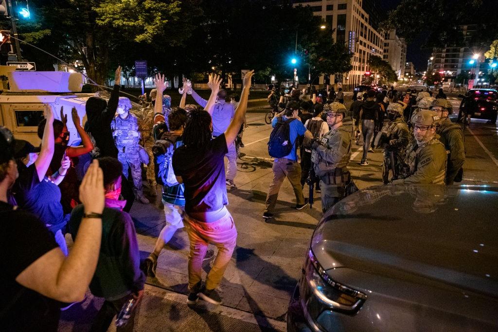 George Floyd, la grande marcia contro razzismo e violenza della polizia