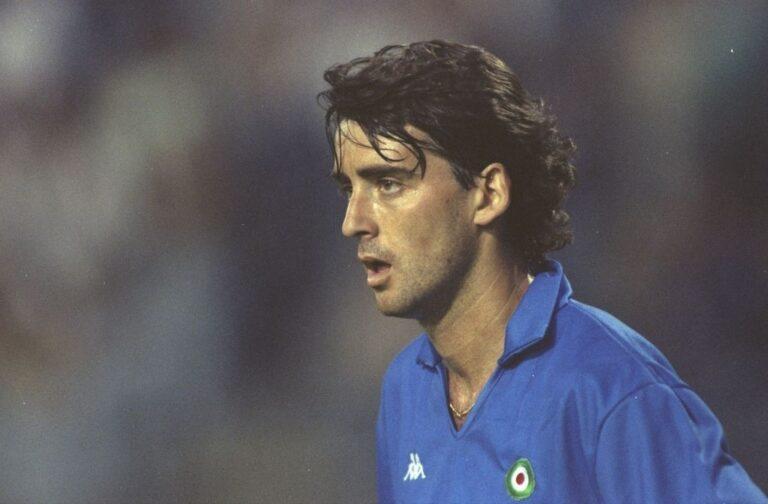 Roberto Mancini 16 anni, 10 mesi, 7 giorni (Bologna, 1981) Photo by Ben Radford/Getty Images