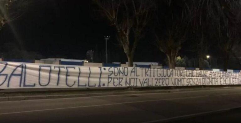 striscione Balotelli