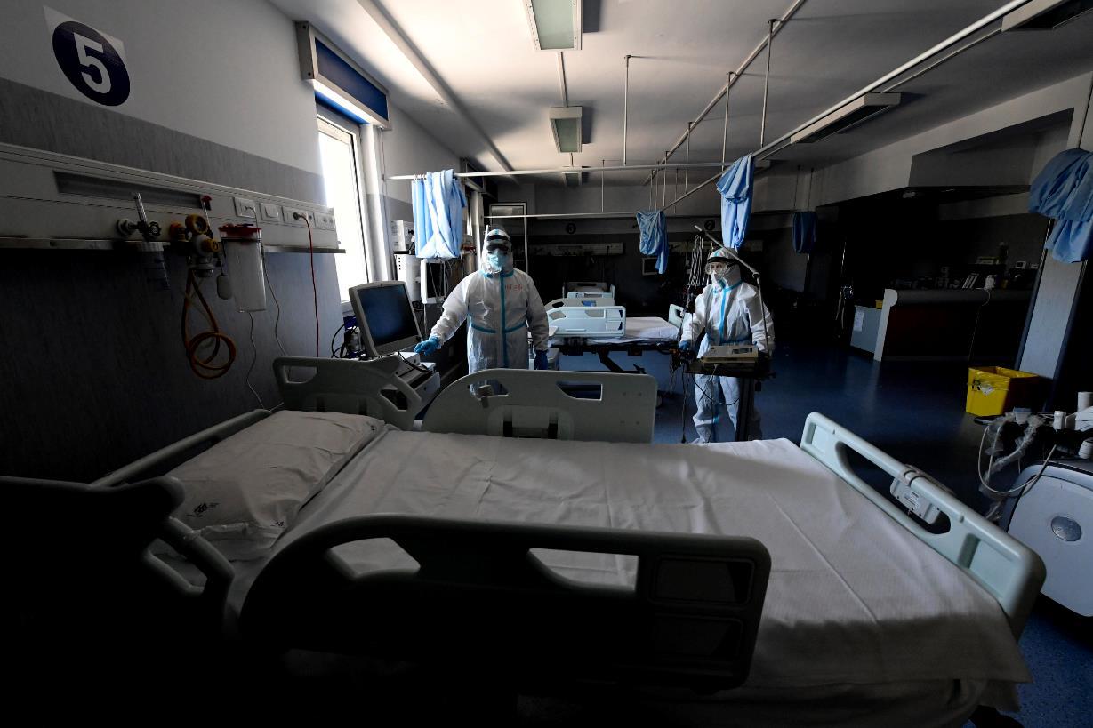 Calciatore di 24 anni muore dopo un malore: aveva fatto il vaccino il 5 giugno