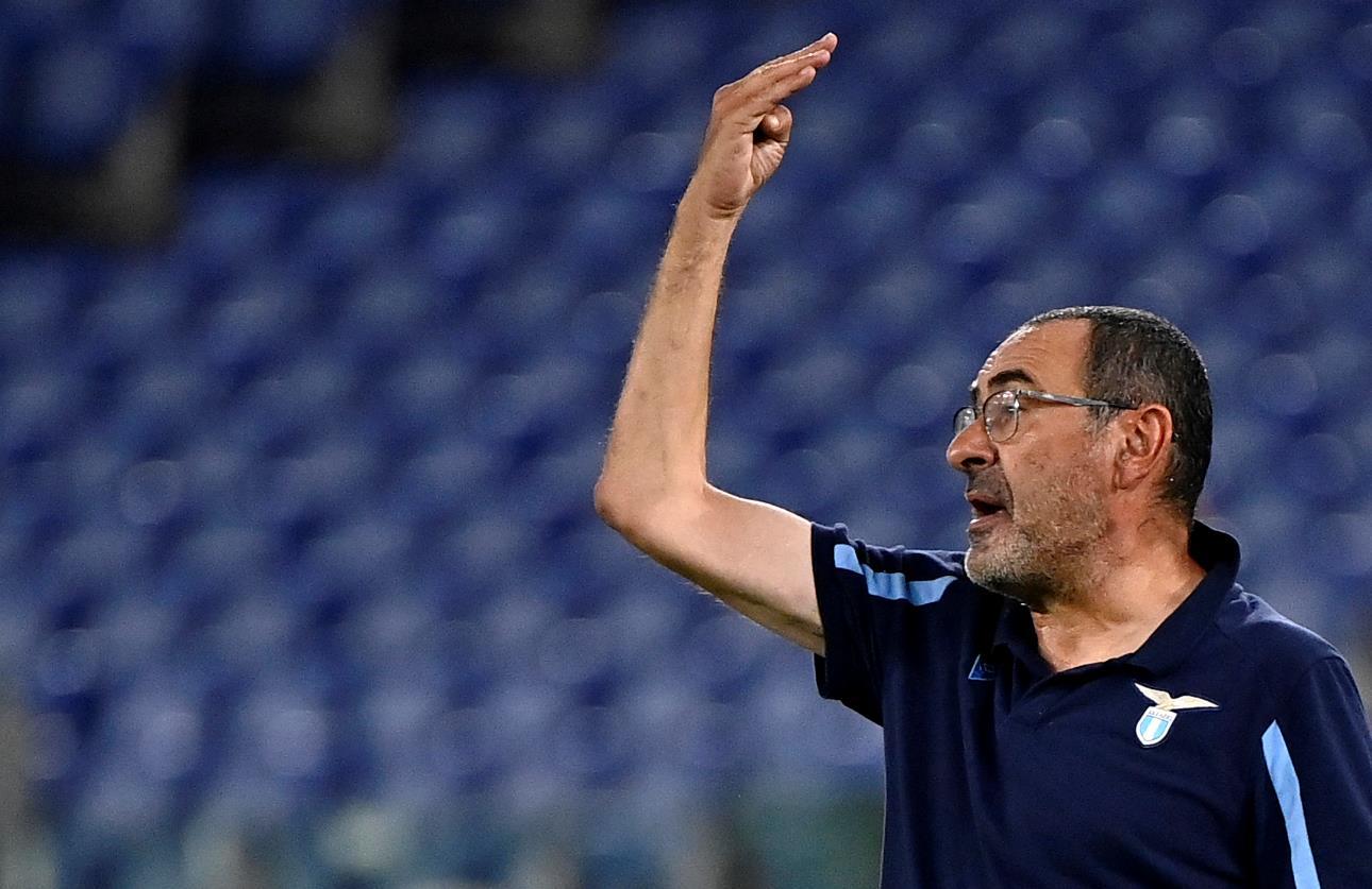 """La gaffe di Sarri in conferenza stampa, la Lazio: """"Radu non ha avuto il Covid"""""""